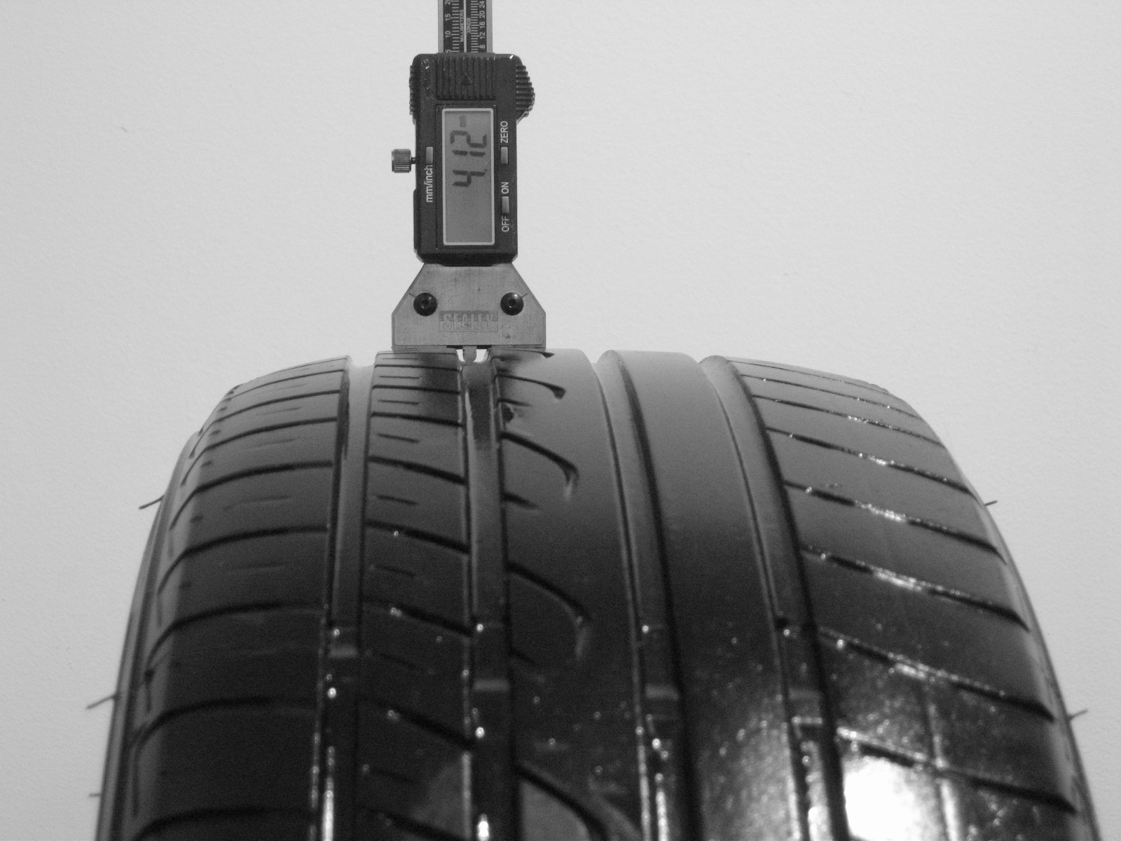 Použité-Pneu-Bazar - 205/55 R16 YOKOHAMA C.DRIVE -kusovka-rezerva 3mm