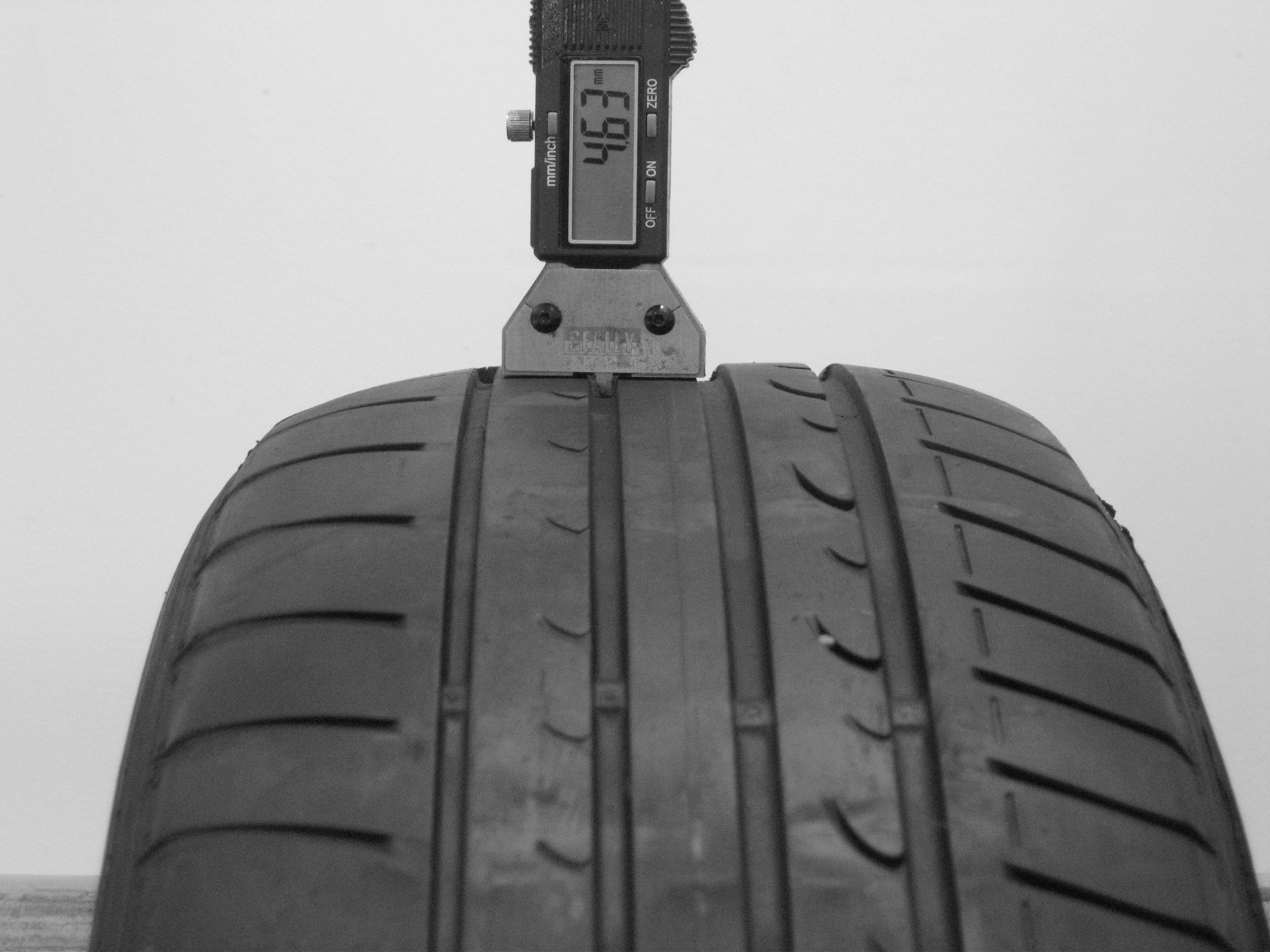 Použité-Pneu-Bazar - 205/60 R15 DUNLOP SP SPORT FASTRESPONSE -kusovka-rezerva 3mm