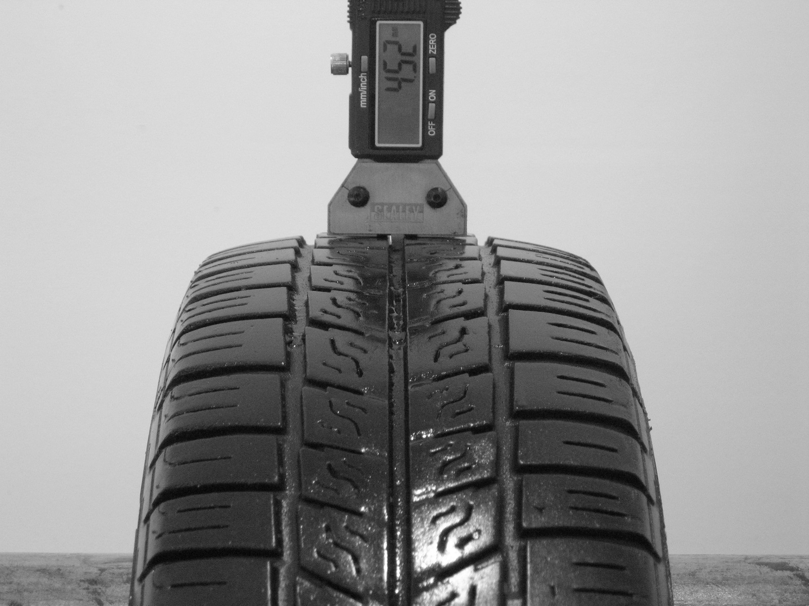 Použité-Pneu-Bazar - 155/70 R13 PIRELLI P2500 EURO -kusovka-rezerva 3mm