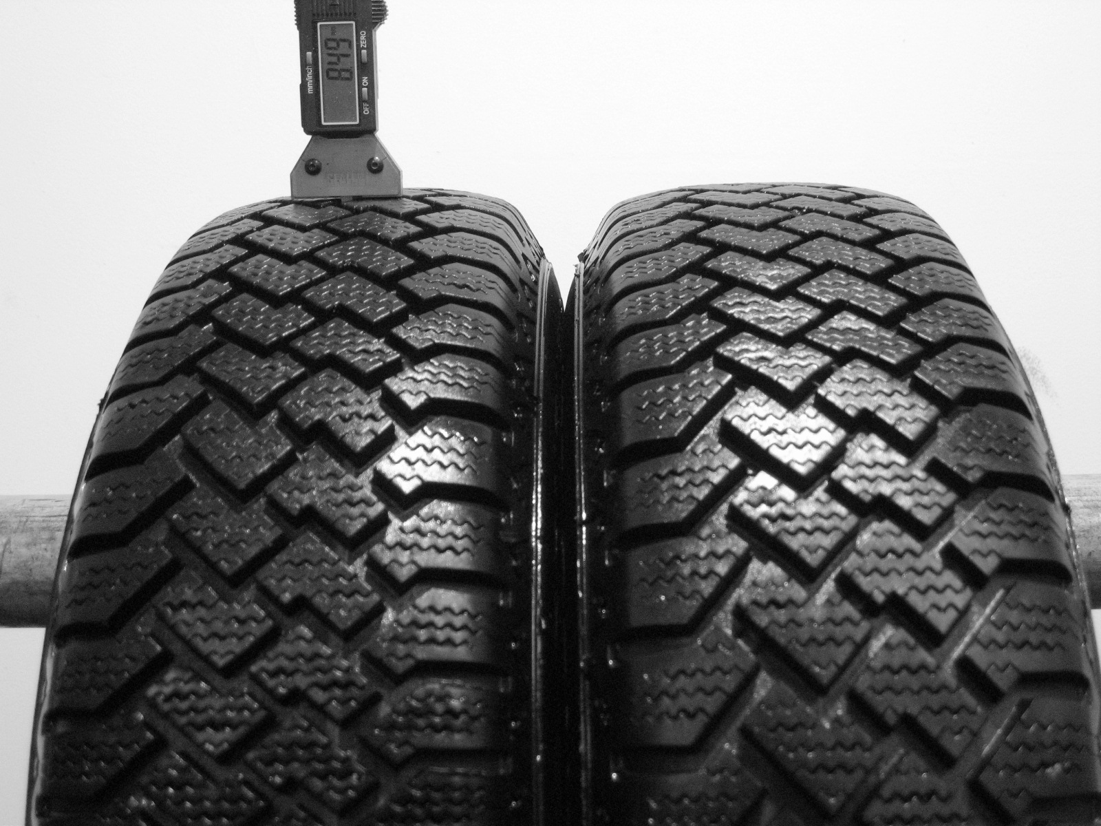 Použité-Pneu-Bazar - 165/80 R13 LEE CONQUEST WINTER 3mm