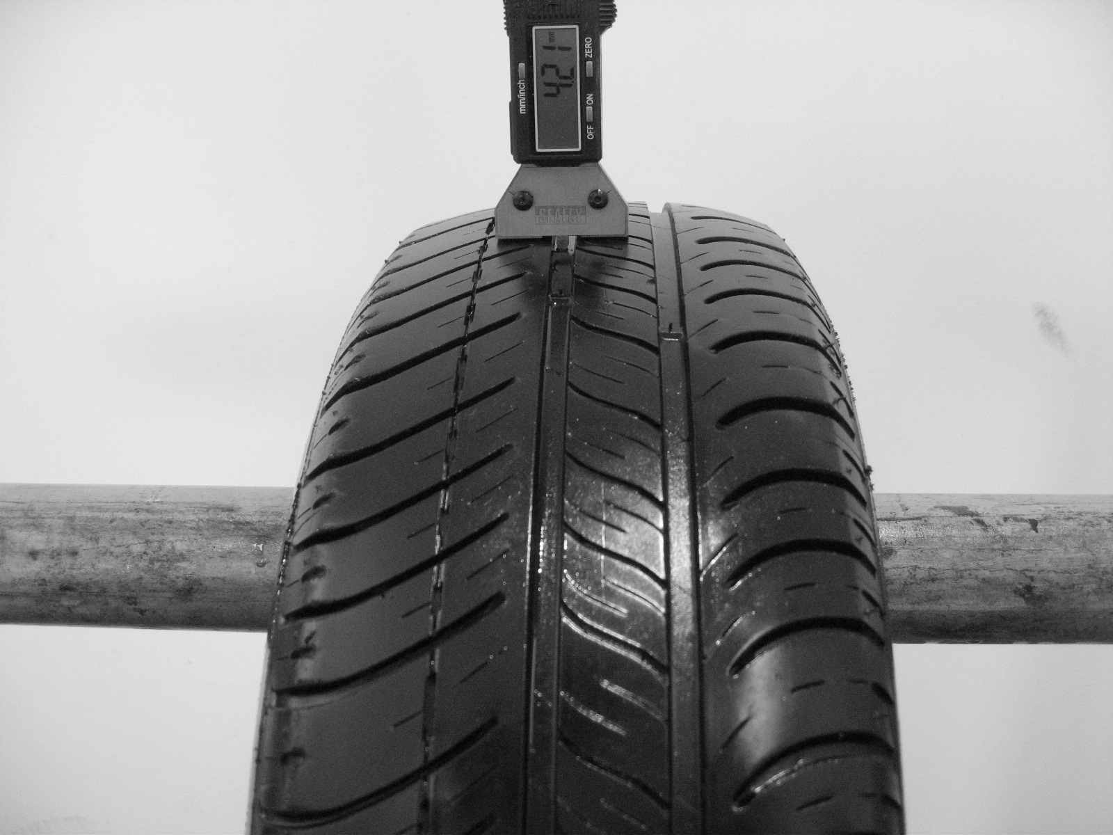 Použité-Pneu-Bazar - 175/65 R14 MICHELIN ENERGY E3A -kusovka-rezerva 4mm