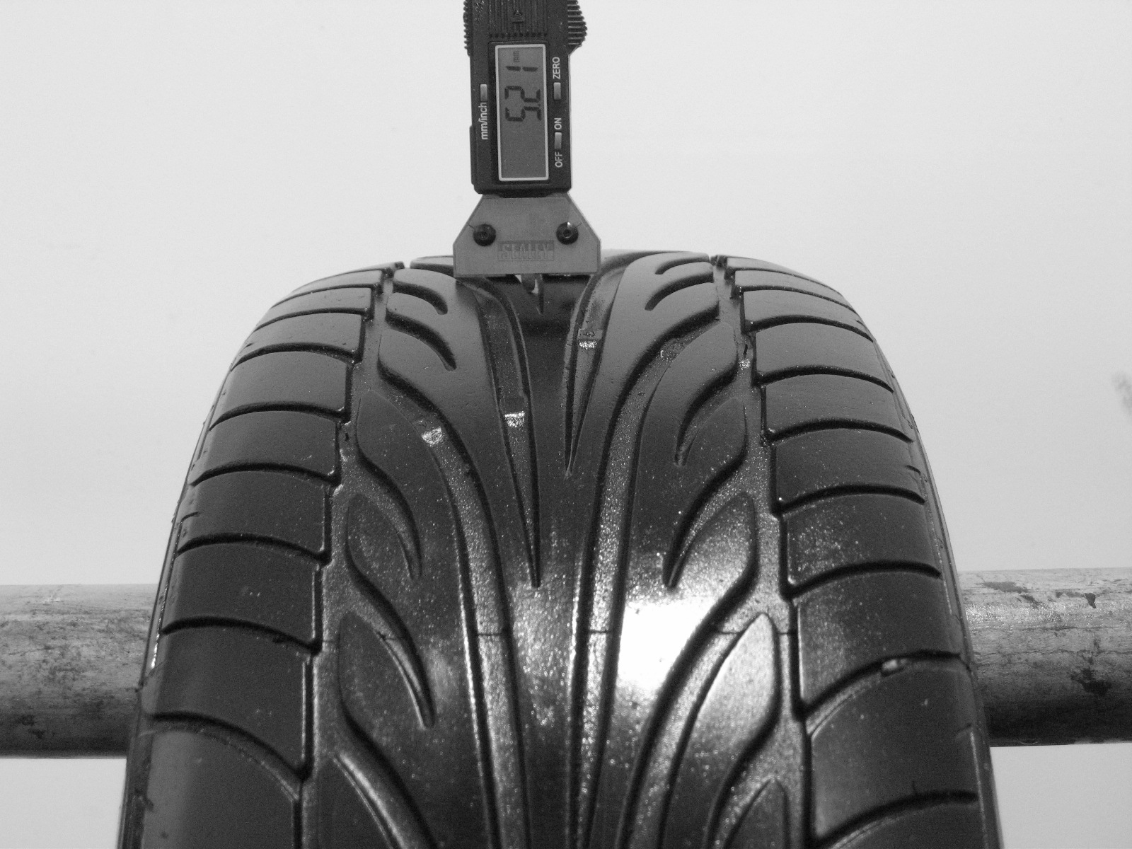 Použité-Pneu-Bazar - 205/55 R15 DUNLOP SP SPORT 9000 -kusovka-rezerva 3mm