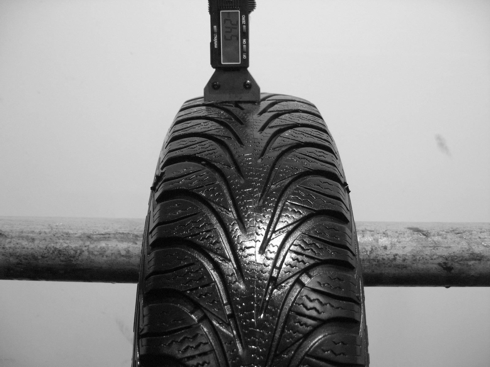 Použité-Pneu-Bazar - 145/80 R13 GOODYEAR ULTRAGRIP 6 -kusovka-rezerva 3mm