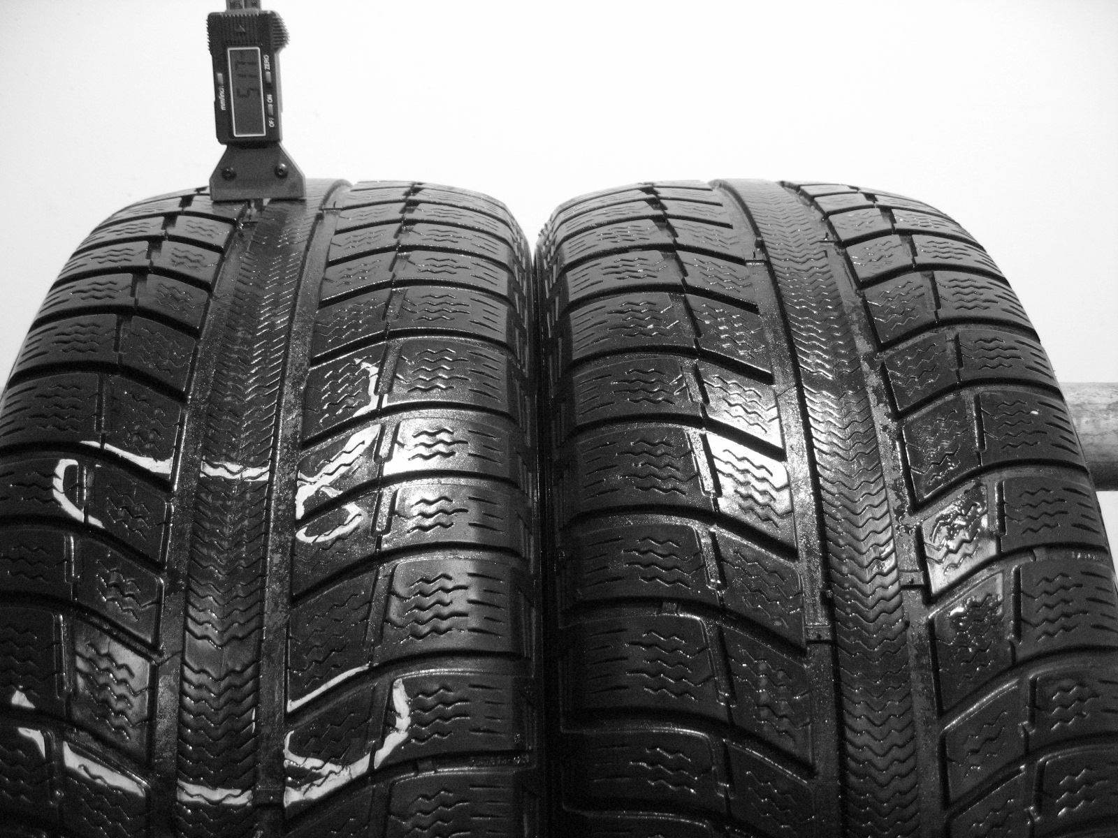 Použité-Pneu-Bazar - 225/50 R17 MICHELIN PRIMACY ALPIN PA3 3mm