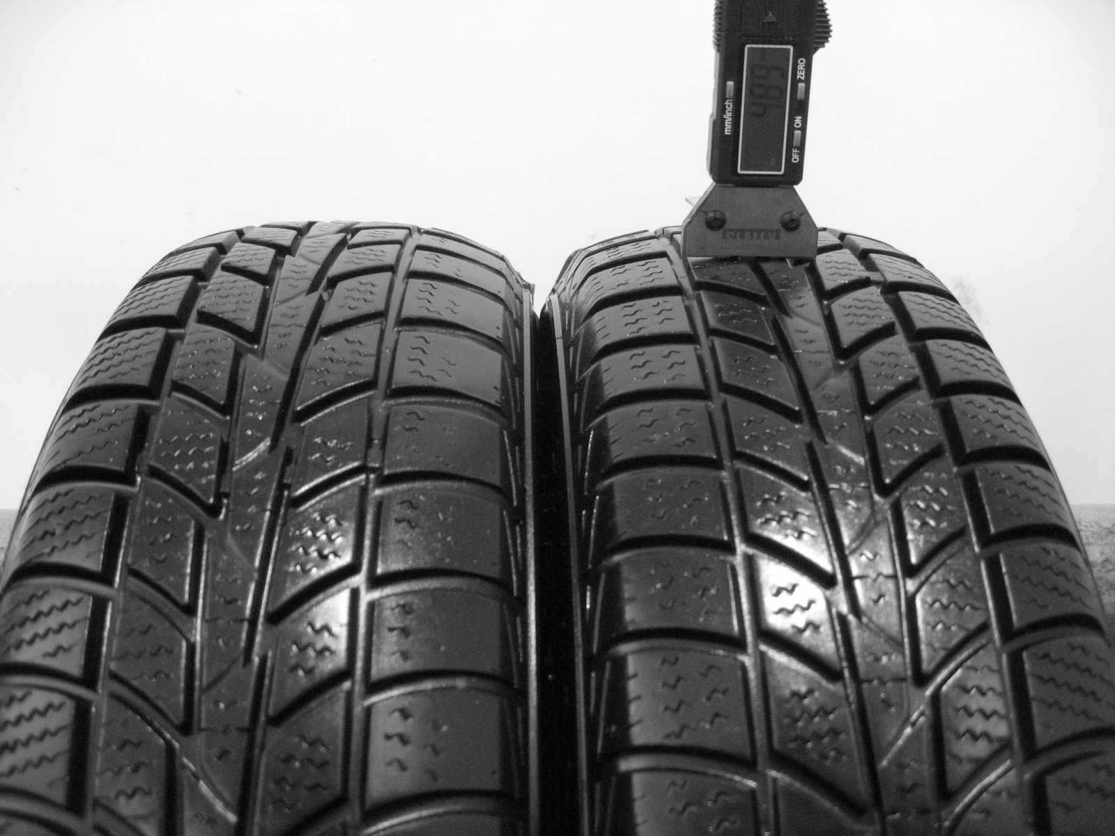 Použité-Pneu-Bazar - 155/70 R13 HANKOOK WINTER ICEPT RS DOT13 3mm